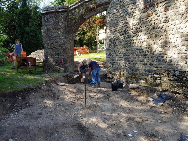 29 Jul digging at east end