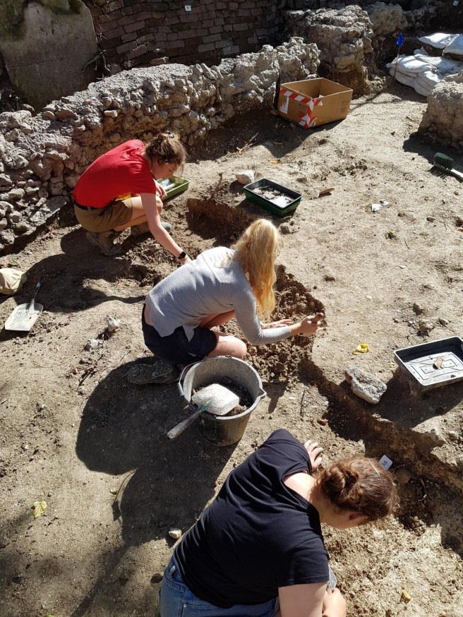 05 Aug chancel burials 1